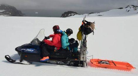 1.200 km siguiendo las capas de nieve y neviza