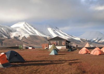 Svalbard_kayak_trekking_campamento