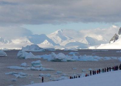 Excursión a pie en Antártida