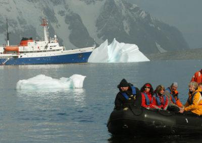 Zodiacs en Antártida