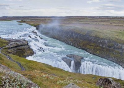 Gullfoss-Islandia-coche-alquiler cascada