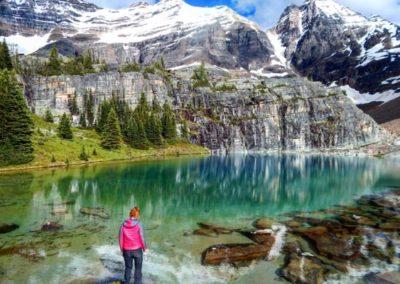 Lago en las Montañas Rocosas de Canadá