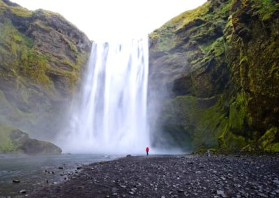 cascada-islandia-abril