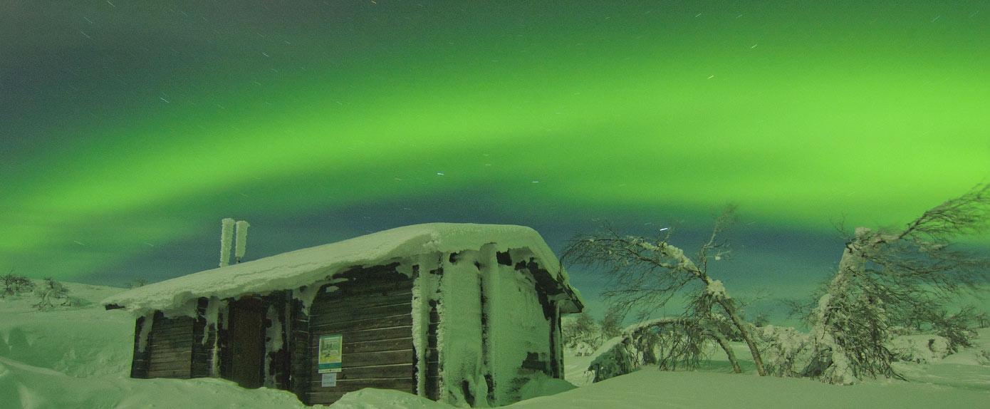 Viajes de aventura y auroras boreales en Finlandia