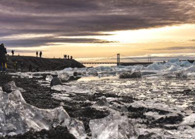 Icebergs del Jokulsárlón, abril y Puente de Mayo en Islandia