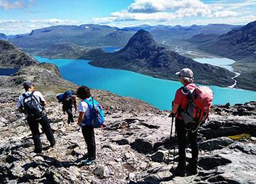 Besseggen-trekking-Noruega