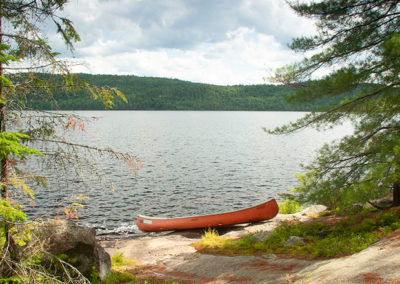 Canoa-Ontario-lagos-Canada