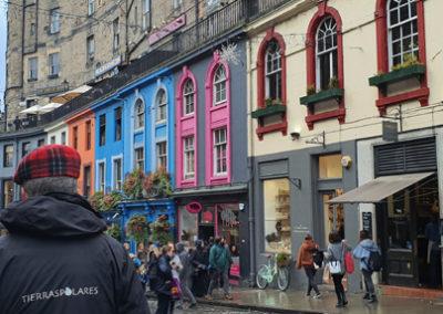 Visita a Edimburgo en el viaje en coche de alquiler por Escocia.