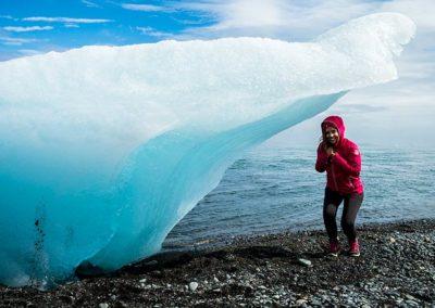 Iceberg del lago Jokulsárlón, viaje a Islandia con vuelo y hotel