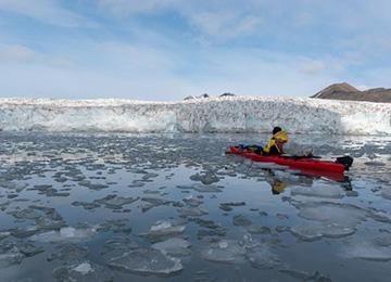 Kayak-Svalbard Glaciar kayak svalbard