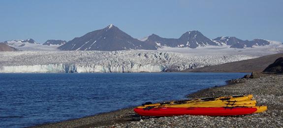 Svalbard kayak Javier Repiso